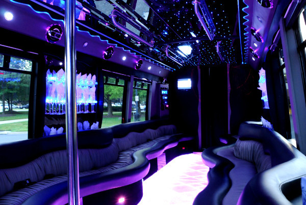 22 people party bus Kerrville