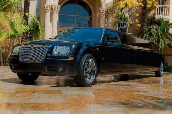 Chrysler 300 limo interior Bartlett