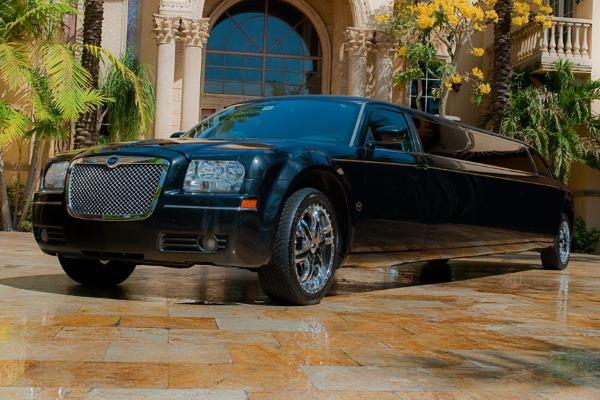 Chrysler 300 limo interior Hughes