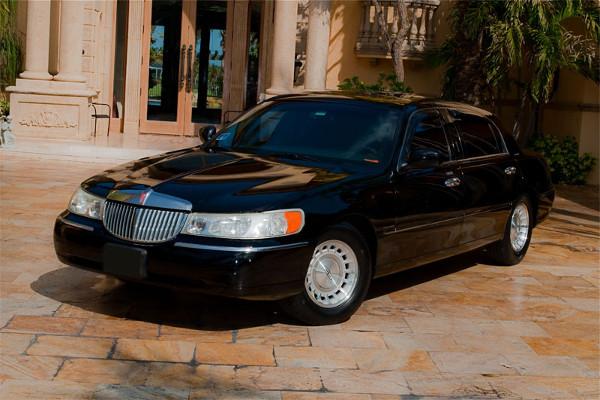 Lincoln Sedan Mason